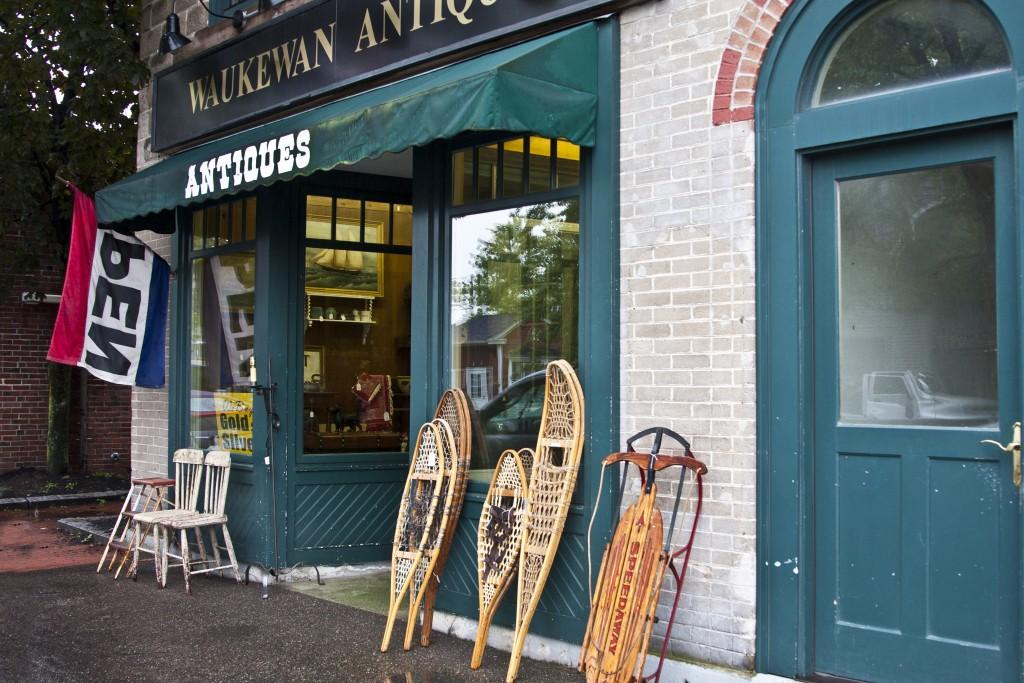 4666 Waukewan Antiques, Meredith